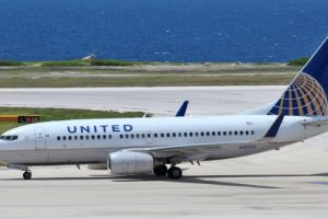 Boeing 737 United AIrlines plane