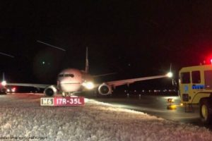 United Airlines Boeing 737 veered off