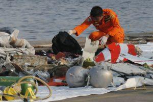 Indonesia rescuers airplane crash