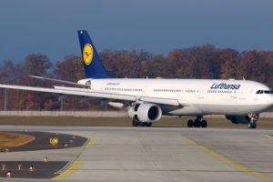 Lufthansa airplane Airbus A330