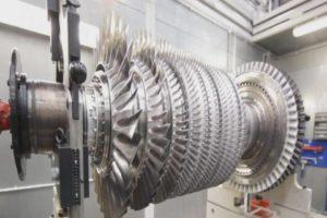 Rolls-Royce engine robots