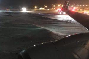 WestJet Boeing 737 stuck snow